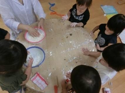 ねらい 感触 遊び 感触遊びの種類~乳児・幼児~